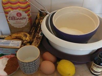How to bake a banana cake. Banana Cake - Step 1
