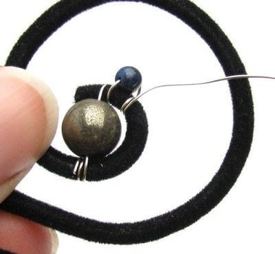 How to make a wire wrapped pendant. Wired Swirl Statement Necklace - Step 4