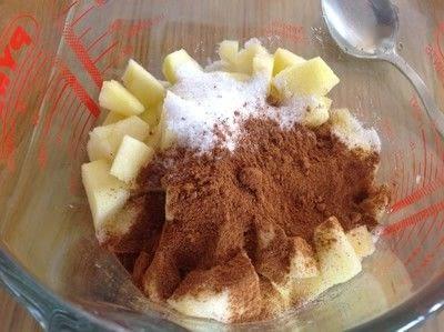 How to bake a cheesecake. Apple Crumble Cheesecake Bars - Step 4