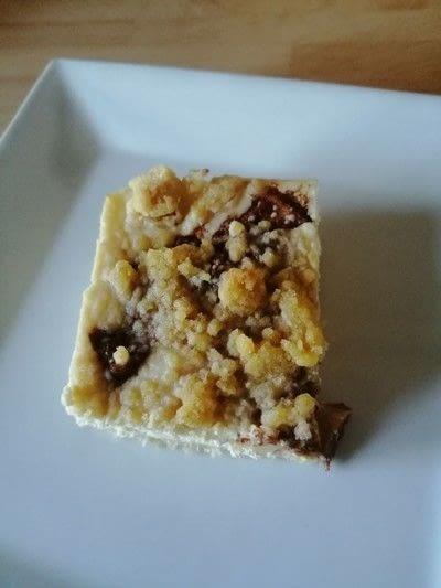 How to bake a cheesecake. Apple Crumble Cheesecake Bars - Step 7