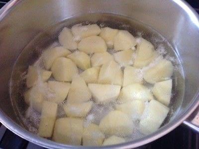 How to cook a potato dish. Sour Cream & Onion Potatoes  - Step 1