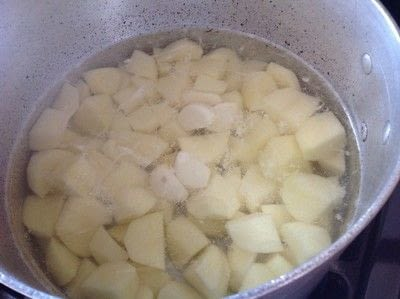 How to cook mashed potato. Duck Dynasty Potatoes  - Step 1