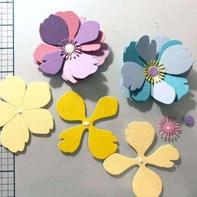 How to make a decoration. Spring Garland With Paper Flowers - Step 7