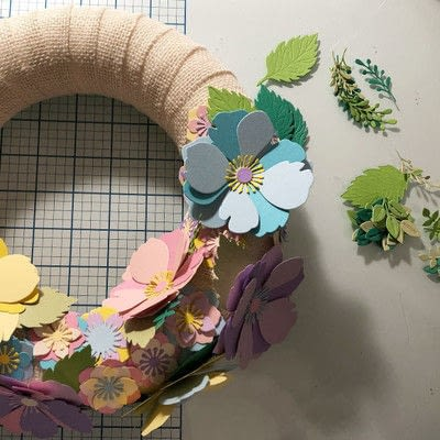 How to make a decoration. Spring Garland With Paper Flowers - Step 9