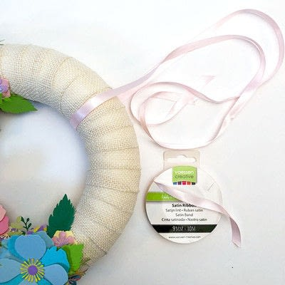How to make a decoration. Spring Garland With Paper Flowers - Step 10