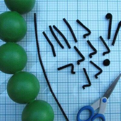 How to make a mixed media. Cute Stryofoam Caterpillars - Step 3