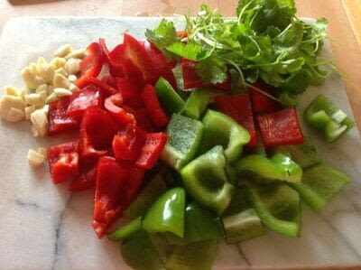 How to make a sauce. Puerto Rican Sofrito - Step 1