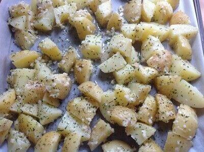 How to cook a potato dish. Garlic Roast Potatoes  - Step 3