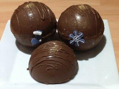 How to make a hot chocolate. Christmas Hot Chocolate Bombs - Step 3