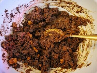 How to make a mousse. Gingerbread & Chocolate Pine Cones - Step 9