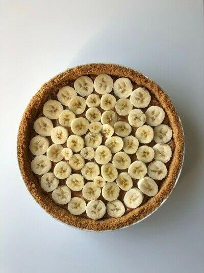 How to bake a banana pie. Banoffee Pie - Step 4
