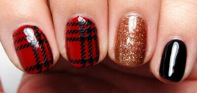 How to paint a nail painting. Posh Plaid - Step 3