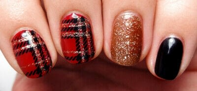 How to paint a nail painting. Posh Plaid - Step 4