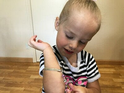 How to make a zipper bracelet. Zipper Bracelet - Step 10