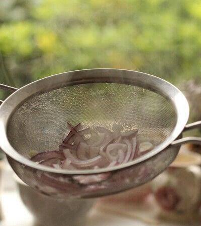How to make a salad. Zingy Arugula And Blood Orange Salad - Step 2