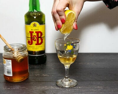 How to mix a Hot Toddy cocktail. Scotch Toddy - Step 2