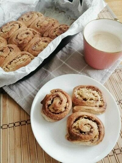 How to bake a cinnamon roll. Delicious Cinnamon Rolls - Step 3