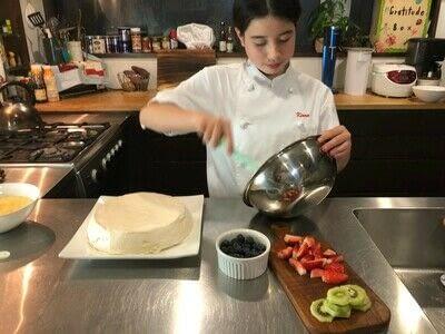 How to bake a meringue. Kiwi Pavlova - Step 5