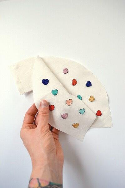 How to make a Peter Pan collar. Heart Collar - Step 5