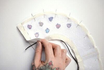 How to make a Peter Pan collar. Heart Collar - Step 8