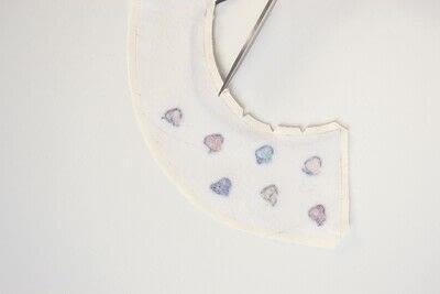 How to make a Peter Pan collar. Heart Collar - Step 10