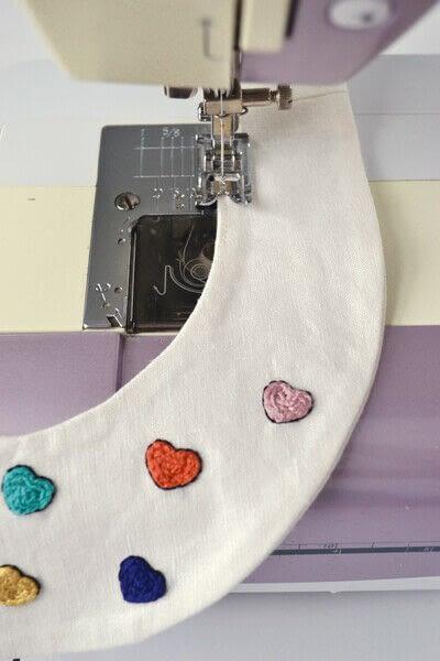 How to make a Peter Pan collar. Heart Collar - Step 12