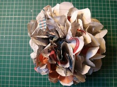 How to make a paper flower. Beautiful Paper Blooms - Step 6