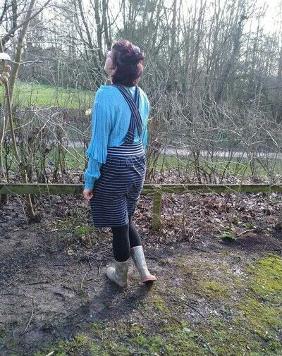 How to recycle a t-shirt skirt. Upcycle Tshirt Dress Into Suspender Skirt - Step 13