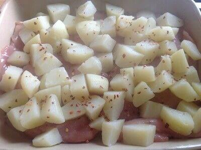 How to cook a casserole / bake. Garlic Chicken & Potatoes  - Step 2