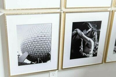 How to make a gallery wall. How To Create A Simple Modern Gallery Wall - Step 3