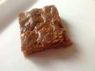 How to bake a bar / slice. Biscoff & Chocolate Chip Blondies  - Step 7