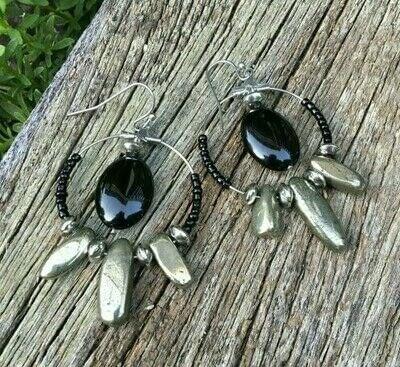How to make a hoop earring. Pyrite & Black Obsidian Hoop Earrings - Step 11