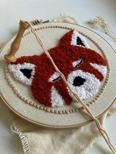 How to make a piece of textile art. Punch Needle Red Panda - Step 11