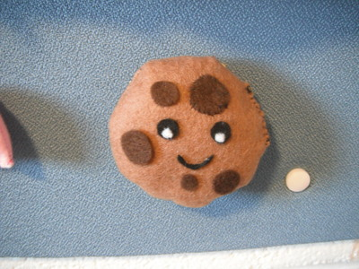 How to make a cookie plushie. Cookie Plushie - Step 8
