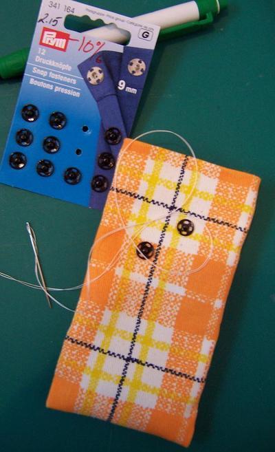 How to make a phone case. Orange Phone Cozy - Step 6