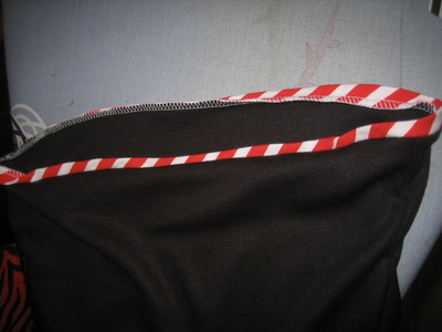 How to make a tank top. Pin Up Bow Front Tank Top - Step 7