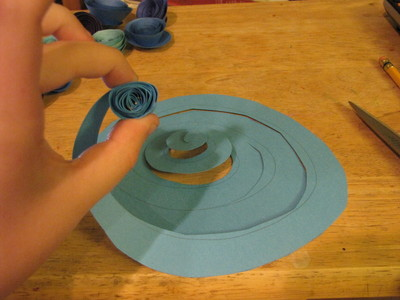 How to make a paper flower. Paper Rose Bouquet - Step 4
