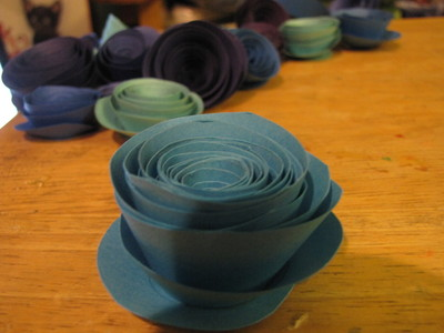 How to make a paper flower. Paper Rose Bouquet - Step 8