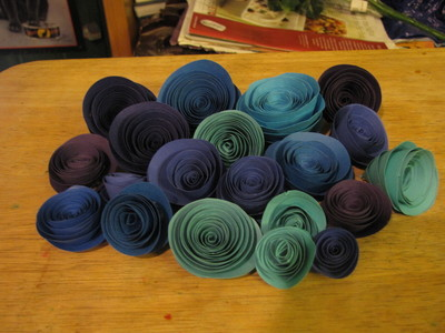 How to make a paper flower. Paper Rose Bouquet - Step 9
