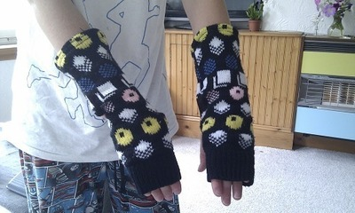 How to make a sweater / jumper. Waistcoat And Gloves From A Jumper - Step 12
