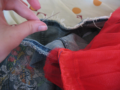 How to sew a denim skirt. Denim Mini Skirt With Tulle - Step 2