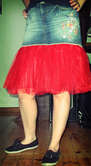 How to sew a denim skirt. Denim Mini Skirt With Tulle - Step 3