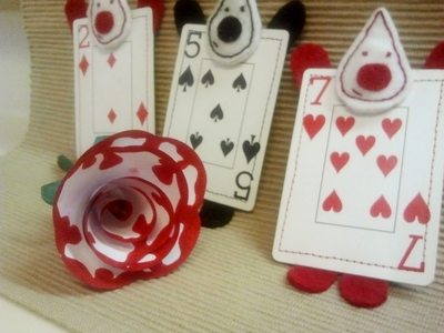 How to make a plushies & friends. Wonderland Card Gaurd - Step 4