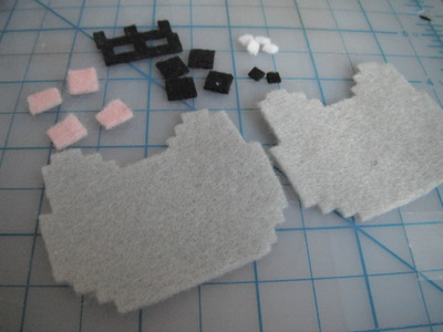How to make a fabric animal charm. Nyan Cat Phone Charm  - Step 3