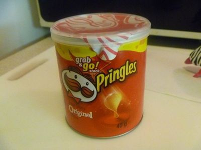 How to make a recycled box. Pringles Snack.Size Stash Box - Step 2