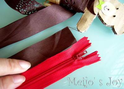 How to make a zipper bracelet. Functional Zip Cuff - Step 1