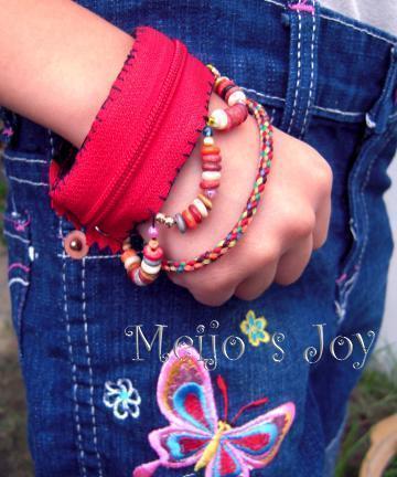 How to make a zipper bracelet. Functional Zip Cuff - Step 11