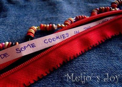 How to make a zipper bracelet. Functional Zip Cuff - Step 10