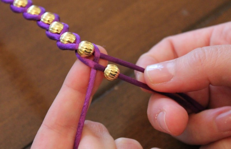 Embellished wrap bracelets how to braid a braided bead for Manualidades con bolitas