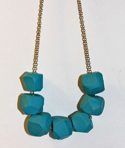 How to sculpt a clay bead necklace. Diy Turquoise Clay Necklace - Step 5